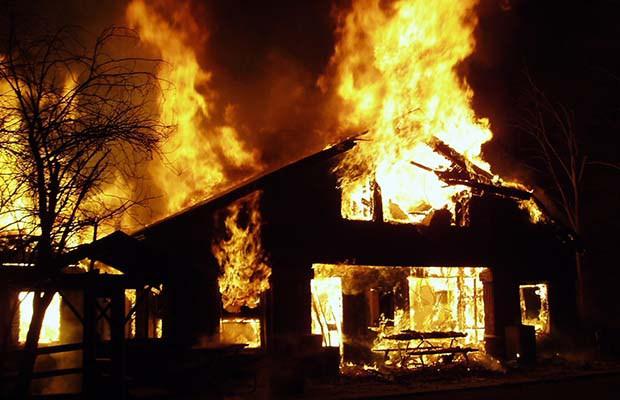 Hallássérültek és a Smart Home http://i0.wp.com/www.theprepperjournal.com/wp-content/uploads/2015/10/PrepareHouseFire.jpg?resize=620%2C400
